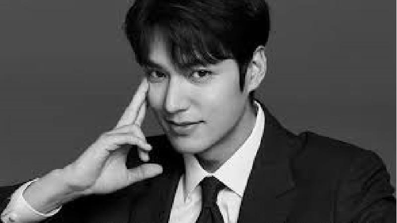 بیوگرافی کامل لی مین هو بازیگر کره ای نقش پادشاه لی گون در سریال پادشاه: سلطنت ابدی