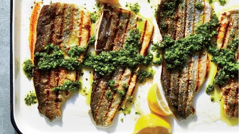 طرز تهیه کامل ماهی قزل آلای کبابی روی گاز