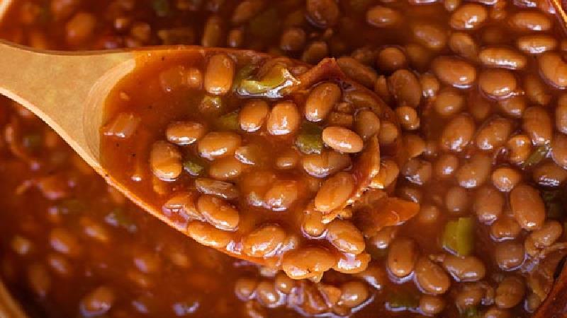 طرز تهیه 2 نوع خوراک لوبیا با قارچ، گوشت و سیب زمینی