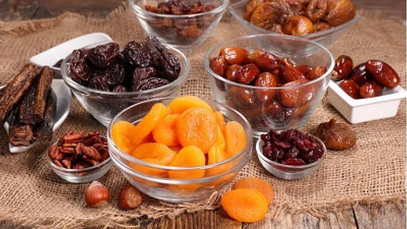 خشک کردن میوه در خانه با استفاده از فر و بدون فر