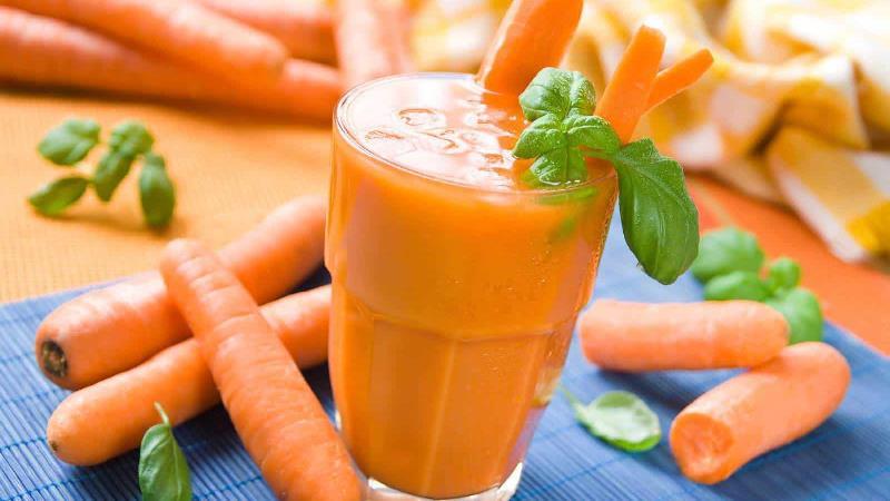 آب هویج برای چی خوب است؛ از دیابت و قند خون تا سلامت قلب