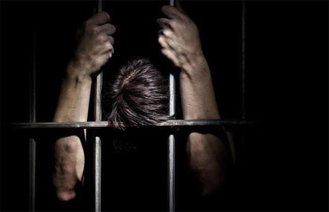 قتل به خاطر رابطه پنهانی همسر