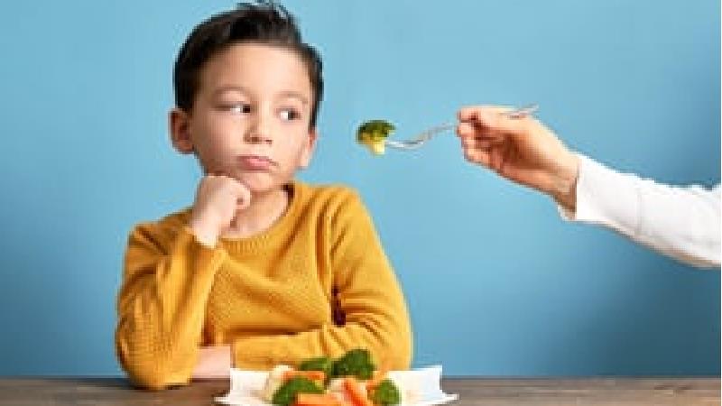 برای غذا خوردن کودک چه باید کرد