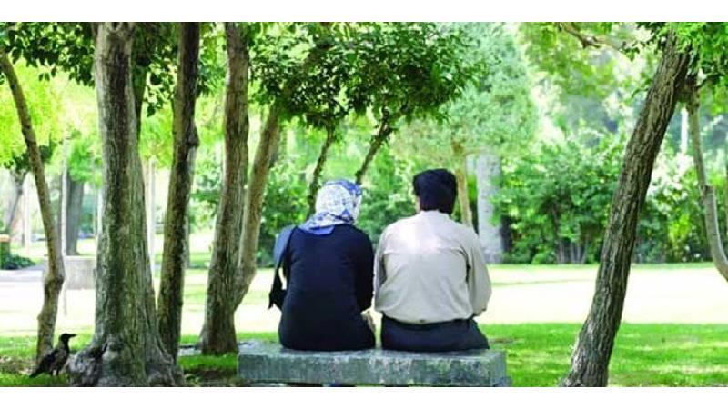 چگونه رفتار کنیم که عشق همسرمان کم نشود