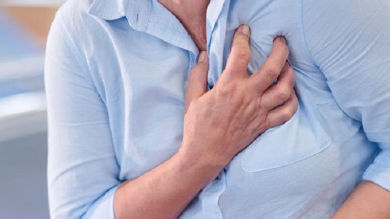 آنژین قلبی چیست؛ توضیحات یک متخصص