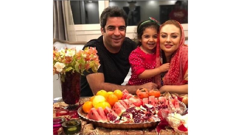 جشن یلدایی یکتا ناصر در کنار همسر و فرزند