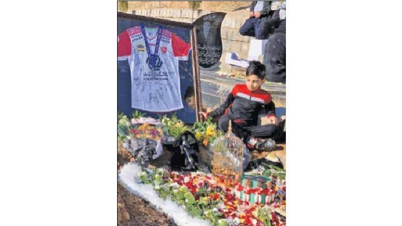 گفت و گو با خانواده هوادار پرسپولیس که بعد از فینال آسیا درگذشت