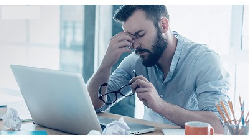 علائم و علت های سندروم بینایی رایانه ای + راه پیشگیری