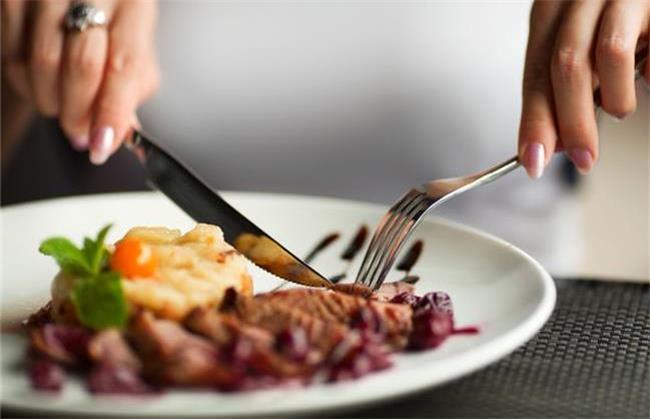 خوراکی های مناسب برای درمان کم خونی ؛توصیه های یک متخصص