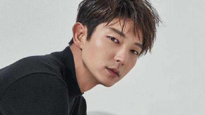 بیوگرافی کامل و فیلم های لی جون کی بازیگر کره ای سریال گل های اهریمنی