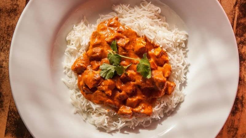 طرز تهیه مرغ هندی با ماسالا چگونه است