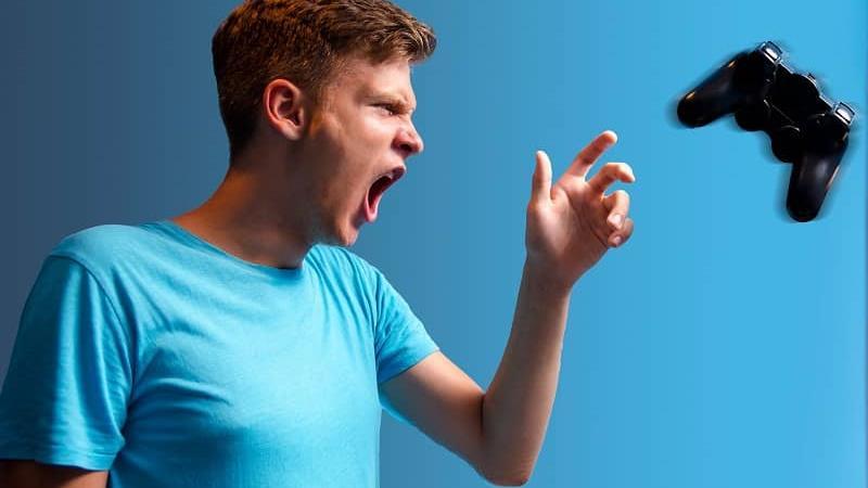 دلیل پرخاشگری نوجوانان و راه چاره آن چیست