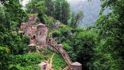 سفر به قلعه رودخان ؛ راهنمای کامل + نقشه و گزارش تصویری