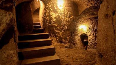 شهر زیرزمینی نوش آباد کجا است و تاریخچه آن چیست؟+ گزارش تصویری