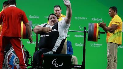 فیلمی از رکوردشکنی سیامند رحمان در پارالمپیک ریو