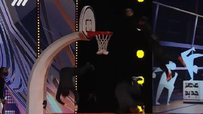 فیلم کامل اجرای نمایش بسکتبال توسط گروه عاج فیل از رشت در قسمت 8 عصر جدید / 11 فروردین