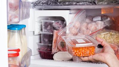 نگهداری غذا در فریزر؛ نکاتی که از فاسد شدن جلوگیری می کنند