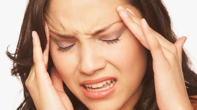 سردردهای هورمونی در زنان چگونه است و درمانش چیست