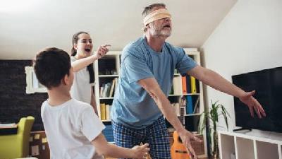 معرفی بازی های دورهمی در خانه که برای بچه ها مفید است