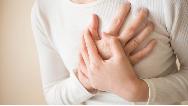 دلیلهای اصلی درد سینه در زنان چیست