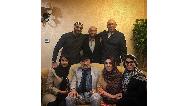 عکسی از داریوش ارجمند در کنار همه اعضای خانوادهاش
