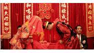 داماد عاشق عروس خانم را با تراکتور به تالار برد