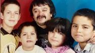 عکسی از اسدالله یکتا در کنار فرزندانش