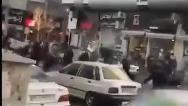 فیلمی از نزاع خیابانی وحشتناک چند پسر قمه به دست