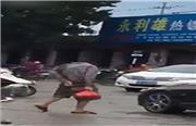 فیلمی از شعبده شگفتانگیز مردی که بدون سر راه میرود