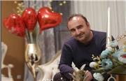 فیلمی از جشن تولد مهران احمدی، بازیگر نقش بهبود در پشت صحنه سریال پایتخت 6