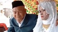 عکسهایی از عروسی پیرمرد 100 ساله با دختر 20 ساله