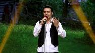 فیلم کامل خواندن آواز مازندرانی توسط رضا عظیمی راد در قسمت 16 برنامه عصر جدید/25 خرداد