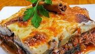 طرز پخت غذای یونانی موساکا با فر