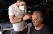 فیلمی از تمرین مرحوم سیروس گرجستانی در پشت صحنه سریال شرم