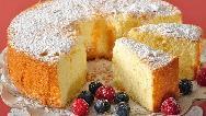 طرز تهیه کیک اسفنجی خانگی برای تولد بدون فر