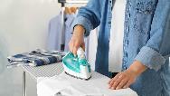 برق اتو را چگونه از روی لباس پاک کنیم و از بین ببریم