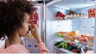 بوی بد یخچال را چطور از بین ببریم