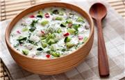 فیلم: آبدوغ خیار با سبزیجات خشک چطور درست می شود